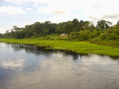 maison au bord du Nyong