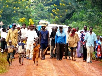 Villageois sur la piste