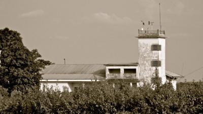 bâtiment d'un aérodrome de brousse
